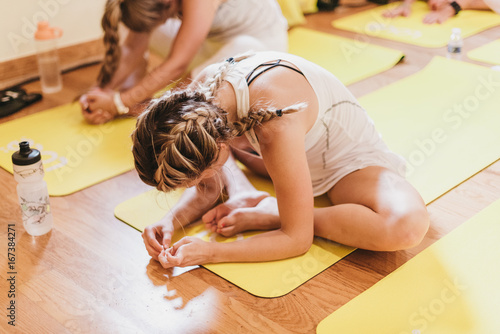 Fotobehang School de yoga Yogi practicing