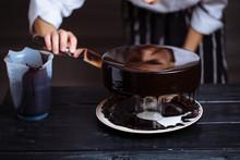 Glazing Chocolate Mousse Cake, Close-up