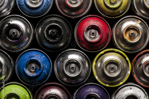 Bunte Graffiti Sprühdosen © fotomowo