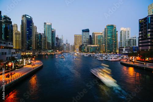 Spoed Foto op Canvas New York TAXI Dubai Marina