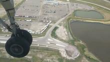 Airliner Dash 8 Wheel Touch Down