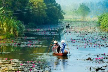 Panel Szklany Orientalny Yen stream on the way to Huong pagoda in autumn, Hanoi, Vietnam. Vietnam landscapes.