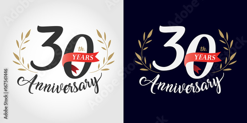Fotografia  30 years anniversary number hand lettering and golden laurel wreath