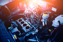 Engine Repair. Car Service. De...