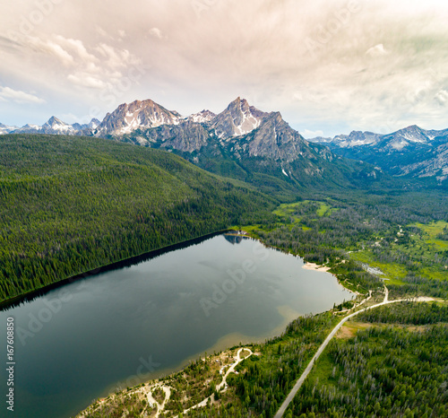Stanley Lake Idaho with Sawtooth mountain summer Fotomurales