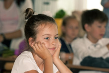 Dziewczynka W Szkole