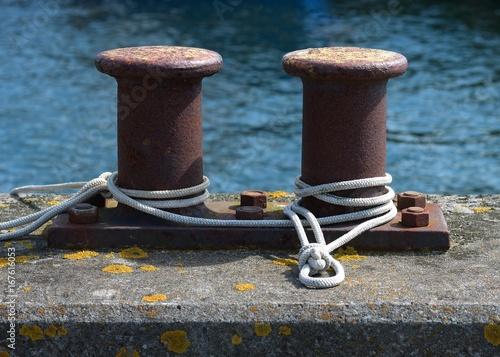 Fotografía  Belegte Poller im Hafen List