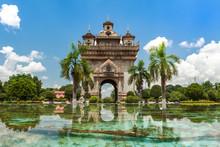 Vientiane, Patuxai Monument