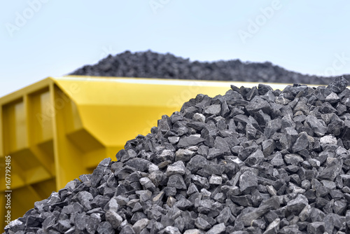 Photo Raw materials crushed stones