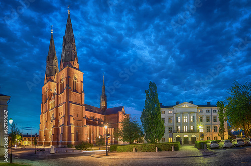 Edifice religieux Uppsala Cathedral in the evening, Uppsala, Sweden (HDR effect)