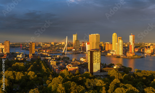 Staande foto Rotterdam Last sunlight over the skyline of Rotterdam from the Euromast