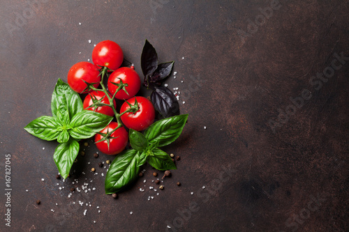 Italian food. Tomato and basil Fototapet