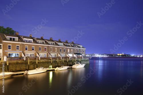 Fotografia, Obraz  Boston North End waterfront housing with dock