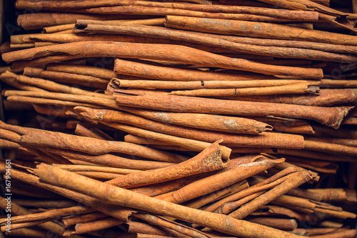 cinnamon-sticks-chinese-herb-aroma-from-wood-bark