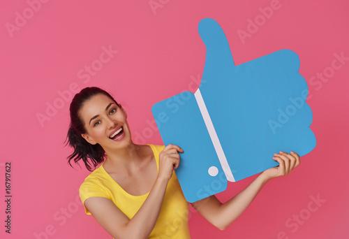 Fotografía  woman with cartoon like icon
