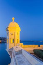 Malta, South Eastern Region, Valletta. A Vedette, Or Watchtower In Gardjola Gardens On The Tip Of Senglea.
