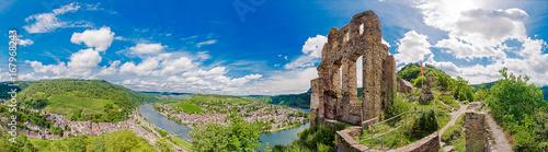 Foto auf Gartenposter Ruinen Panorama von Grevenburg und Traben-Trarbach an der Mosel, Rheinland-Pfalz