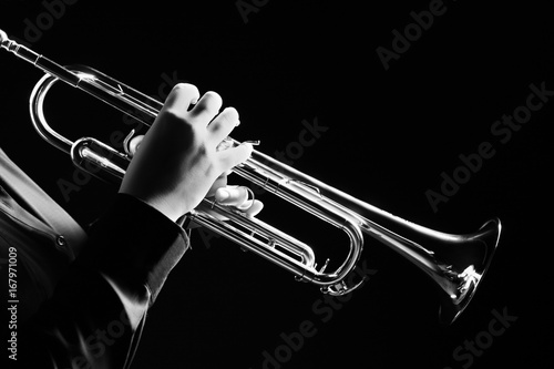 Stickers pour porte Musique Trumpet player. Trumpeter playing jazz music
