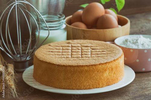 Homemade sponge cake on white plate Fototapet