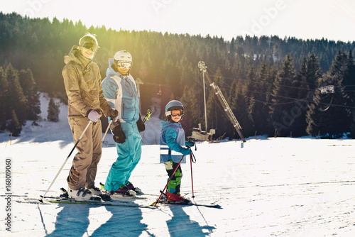 Garden Poster Winter sports Skiing family