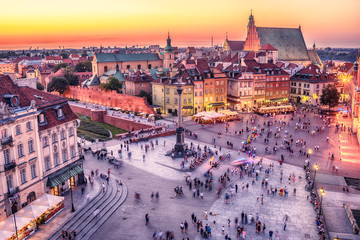 FototapetaWarsaw, Poland: Castle Square and the Royal Castle, Zamek Krolewski w Warszawie in the sunset of summer