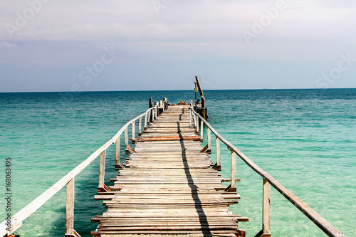 Poster Turquoise Calm sea ocean and blue sky with clear bright sky in vacations on summer