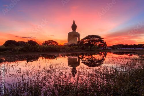 Fotografía Big buddha in Wat Muang at Ang Thong Province popular Buddhist shrine in Thailand