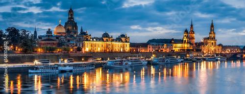 Fotografiet Skyline von Dresden bei Nacht, Sachsen, Deutschland