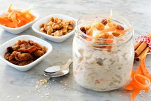 Carrot Cake Overnight Oats Wit...