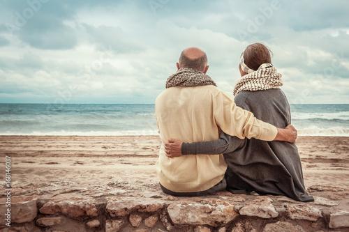 Photo  Senioren entspannen am Strand