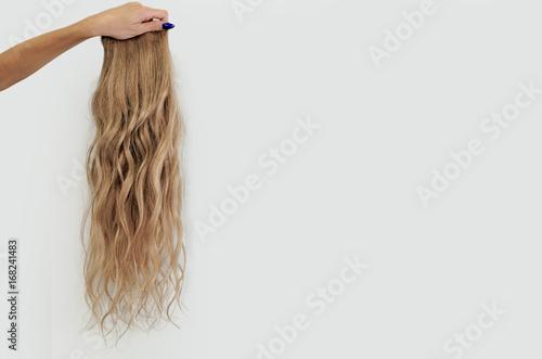 Fotografie, Obraz  wavy blonde wig