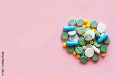 Valokuvatapetti Opioid Pills