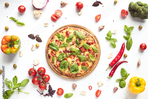 Photo  italian pizza and ingredients