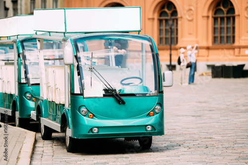 Electric Car For Tourists For Tourists To Explore City's Attractions