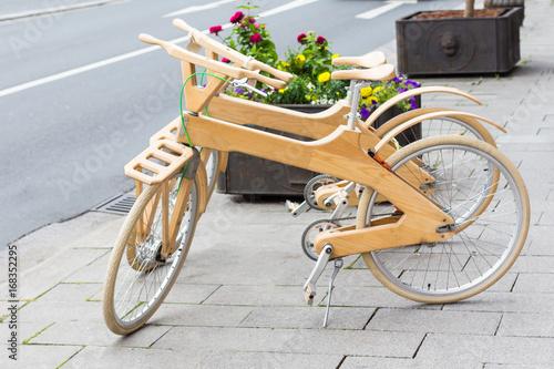 Türaufkleber Fahrrad modern bicycle wooden
