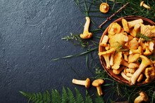 Yellow Mushrooms Chanterelle (...