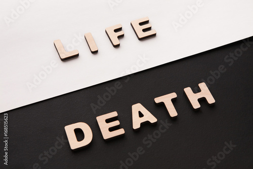 Word Life and Death on contrast background Fototapet