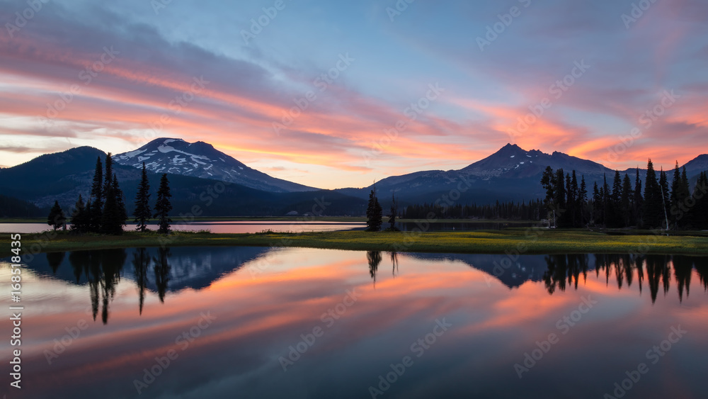 Fototapety, obrazy: Sparks Lake Summer Sunset in the Deschutes National Forest
