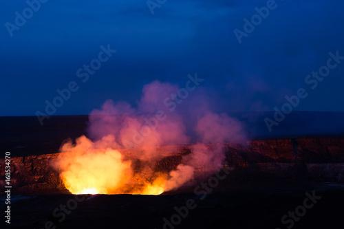 Deurstickers Vulkaan Kilauea Caldera lava lake in Volcano National Park Hawaii Big Island