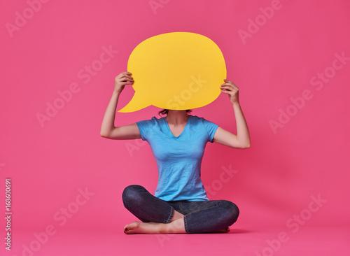 Fotografia  woman with cartoon speech