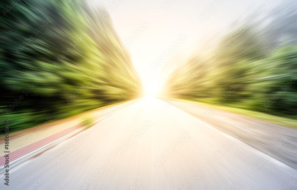 Fotografiet  Along the empty road