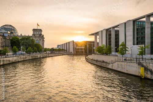 Zdjęcie XXL Zmierzch przy Reichstag w Berlin