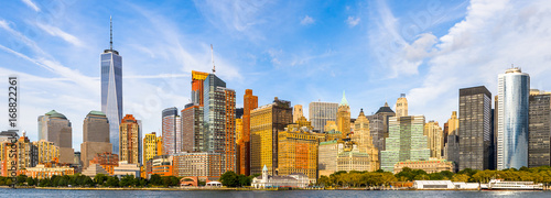 Montage in der Fensternische New York Beautiful evening view of the Lower Manhattan, New York City, United States of America