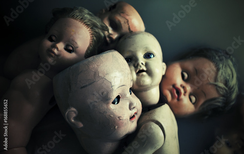 Photo Creepy dolls