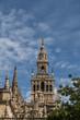 Spagna: La Giralda, il campanile della Cattedrale di Siviglia, costruito come minareto nel periodo moresco e con aggiunte rinascimentali dopo l'espulsione dei musulmani