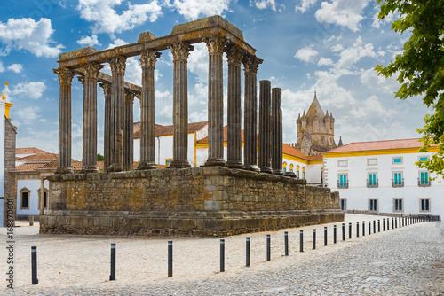 Deurstickers Rudnes Temple of Diana, Evora, Portugal