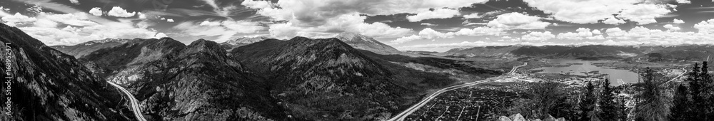 Fototapeta Black & White panoramic detailed contrasty shot of mountains and town in Colorado