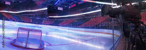 Plakat Kamera telewizyjna do transmisji hokejowej