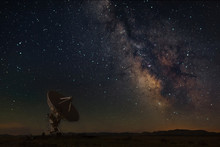 Very Large Array With Milky Wa...