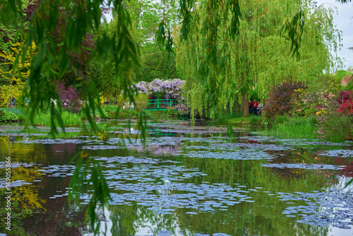Foto  Claude Monet s gardens in Giverny, France